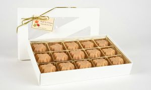 15 pieces of maple candy in a box